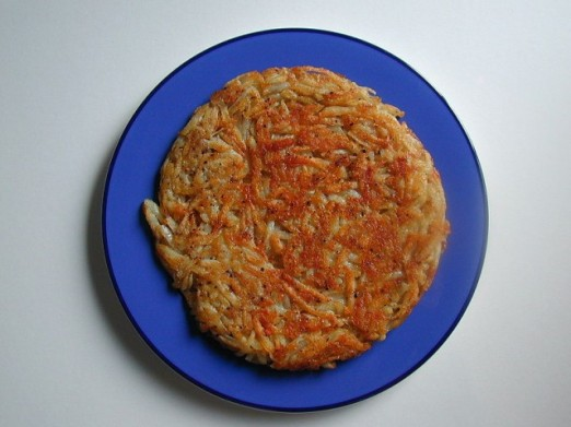 800px-Roesti_with_parsley_garnish